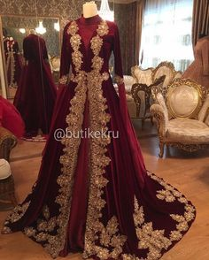 Kerala Muslim Wedding Dress With Hijab - Dress Wedding Pakistani Bridal Dresses, Pakistani Wedding Dresses, Bridal Lehenga, Indian Dresses, Indian Outfits, Dress Wedding, Muslim Fashion, Indian Fashion, Bridal Outfits