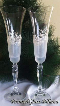 Set of 2 hand painted wedding champagne by PaintedGlassBiliana