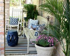 My Front Porch Transformed with Spray Paint. Front porch revamp {The Creativity Exchange} How to prep and spray paint outdoor furniture. Painted Outdoor Furniture, Modern Outdoor Furniture, Outdoor Decor, Outdoor Living, Outdoor Spaces, Adirondack Furniture, Wicker Furniture, Antique Furniture, Furniture Ideas