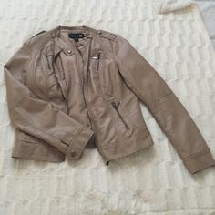 Lightweight jacket Worn tons of times, as you can see there are signs of wear (refer to pics 2&3). WILL ALSO FIT A SMALL :) Not from listed brand. Steve Madden Jackets & Coats