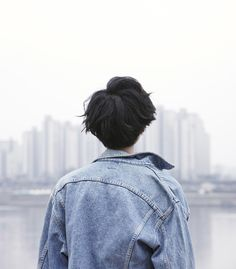 Image uploaded by Ericka Lima. Find images and videos about photography, hair and boy on We Heart It - the app to get lost in what you love. Katsuki Yuri, Yuuri Katsuki, Jean Valjean, Tumbrl Boy, Henry Cheng, Victor Nikiforov, Thalia Grace, Black Hair Boy, Blue Hair