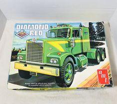 AMT Diamond Reo Tractor Semi Truck 1/25 Scale Model Kit T537   | eBay