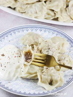 Pielmieni | AniaGotuje.pl Ravioli, Camembert Cheese, Meals, Pierogi, Tableware, Soups, Food, Dinnerware, Meal