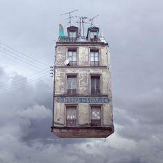 Flying Houses - Hotel du Lion d'Or