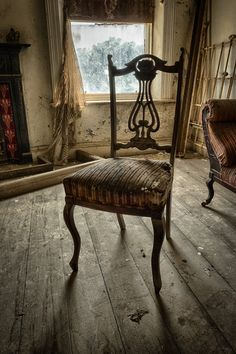 Abandoned Farm House by Lawrence Wheeler, via 500px
