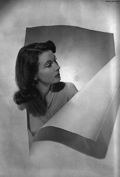 Vivien Leigh for British Vogue, circa 1945. Photo by Cecil Beaton.