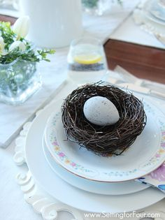 Spring tablesetting with egg decorations. See these decor tips and my Spring Home tour!