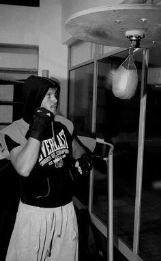 Tomas protopapas Προπόνηση kick boxing