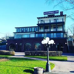 Riverside Restaurant, Social Events, Jacuzzi, Small Towns, Ontario, Spa, Deck, Island, Mansions