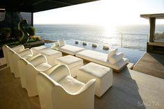 Contemporary seaside villa in Cape Town