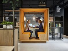 The bank office of the future? Check out the office design we did for ING Amstelveen. Down with the traditional counter, personal contact is key. Office Cube, Office Pods, Mini Office, Office Bar, Villa Del Carbon, Banks Office, Booth Seating, Cafe Interior Design, Workplace Design