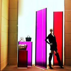 """VERSACE, Crystals,Las Vegas, USA,""""Simple,chic and dynamic......Versace"""", pinned by Ton van der Veer Pop Display, Visual Display, Display Design, Display Ideas, Retail Windows, Store Windows, Display Windows, Window Displays, Window Art"""