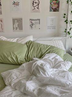 Room Design Bedroom, Room Ideas Bedroom, Bedroom Decor, Bedroom Inspo, Study Room Decor, Pastel Room, Pastel Decor, Minimalist Room, Pretty Room