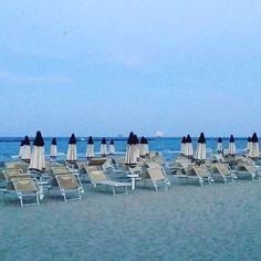 È ancora estate #evento #eventi #party #partyonthebeach #festa #feste #festeinspiaggia #sole #mare #estate #sun #sea #summer #summertime #spiaggia #spiagge #spiaggeitaliane #italia #vacanze #holidays #viaggi #travel #spiaggegram #spiaggeventi #instagram