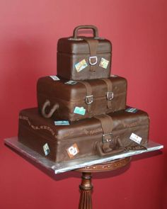 It's a cake. Hat Box Cake, Wedding Vendors, Wedding Cakes, Luggage Cake, Two Tier Cake, Fabulous Birthday, Fashion Cakes, Kids Story Books, Suitcases