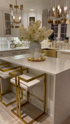 Decor Home Living Room, Home Decor Kitchen, Home Kitchens, Remodeled Kitchens, Luxury Kitchens, Kitchen Ideas, Luxury Kitchen Design, Interior Design Kitchen, Home Design Decor