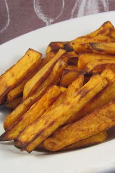 These air fryer sweet potato fries are a quick and easy potato recipe! Cook the best sweet potato fries using sweet potatoes, garlic powder, and sweet paprika. You will love cooking this sweet potato side dish for lunch or dinner!