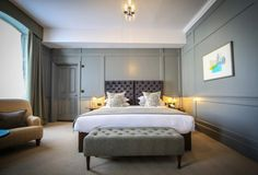 In the heart of the Cotswolds market town of Cirencester, boutique hotel the Kings Head Hotel adds a sympathetic stamp of contemporary country style to 450 years of history.
