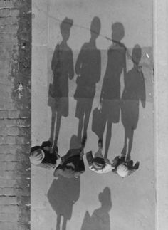 André Kertész :: Ombres / Shadows, ca. 1932 more [+] by this photographer
