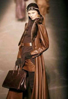 Hermes I want that leather coat--scrumtious! Timeless Fashion, High Fashion, Winter Fashion, Womens Fashion, Fashion Trends, Hermes, Spieth Und Wensky, Estilo Glamour, Leder Outfits