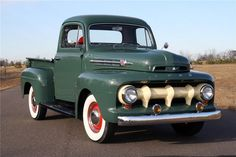 1952 ford f150. If you don't look at this and immediately think beauty, get off pinterest right now.