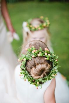 itty bitty ballerina buns and flower halos   Photography By / birdsofafeatherphoto.com