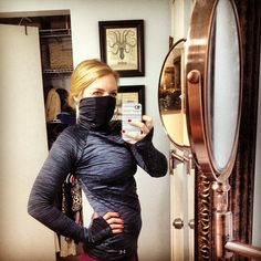 The ultimate running shirt for the cold. The sleeves fold out into mittens and the neck can be pulled up over your nose while running, thanks to a unique super-ventilated front mesh panel. // Shared via Instagram from @amiej30