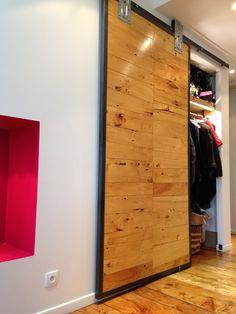 Porte coulissante esprit grange sur mesure bois metal - Porte coulissante sur mesure ikea ...