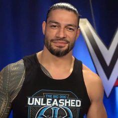 Roman Reigns Wife, Roman Reighns, Wwe Superstar Roman Reigns, Best Wrestlers, The Shield Wwe, Wrestling Stars, Fine Men, Wwe Superstars, Maternity Wear