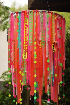 How adorable is this cute ribbon chandelier to hang from your little princess' ceiling? Princess room. Pink. DIY. Tips.