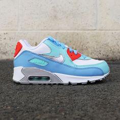 Kids edition Air Max 90 with mixes of blue, grey, red and white. Kids Sneakers, Air Max Sneakers, Sneakers Nike, Blue Grey, Red And White, Teal, Air Max 90, Nike Air Max, Footwear