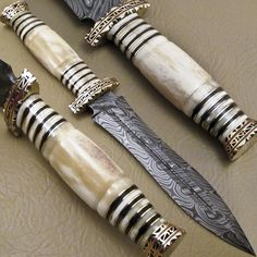 BEAUTIFUL RARE CUSTOM HAND MADE DAMASCUS STEEL HUNTING DAGGER KNIFE
