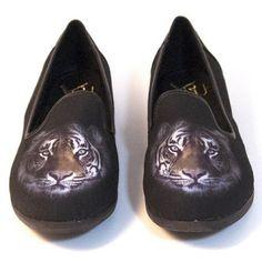 06abb780cdb3 YRU Lowf Tiger Loafer Shoe NWT