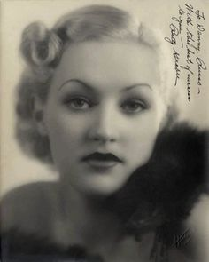 Betty Grable (December 1916 – July Dancer, singer, and actress. Her bathing suit photo made her the number-one pin-up girl. Old Hollywood Glamour, Golden Age Of Hollywood, Vintage Glamour, Vintage Hollywood, Hollywood Stars, Vintage Beauty, Classic Hollywood, Hollywood Cinema, Hollywood Icons