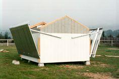 Bert Katzung's fold-off roof -- aluminium with counterweights.