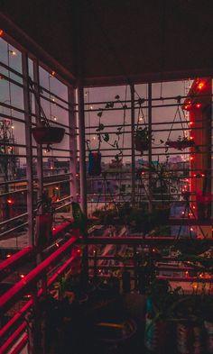 Retro Wallpaper Discover Aches to Crack 違ギは : aesthetic Aesthetic Pastel Wallpaper, Retro Wallpaper, Aesthetic Backgrounds, Aesthetic Wallpapers, Anime Scenery Wallpaper, View Wallpaper, City Aesthetic, Aesthetic Images, Aesthetic Rooms