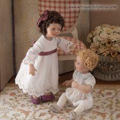 Porcelaine de fille articulé habillé vieilles par MINIATURAFR