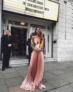 Negin Mirsalehi fashion week street style in Gucci Fashion Week, Look Fashion, High Fashion, Fashion 2017, Skirt Fashion, Fashion Brands, Fashion Tips, Looks Street Style, Look Chic