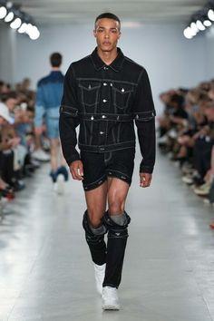 Christopher Shannon Spring 2017 Menswear Fashion Show Vogue Paris, Christopher Shannon, Fashion Show, Mens Fashion, Beautiful Men, Bomber Jacket, Winter Jackets, Menswear, Style Inspiration