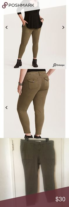 Torrid olive Utility pants size 18 Torrid brand Olive twill Utility pants. They are mid rise size 18 torrid Pants