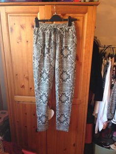 ugly trousers are just the one even if my boyfriend hates them 💁 Harem Pants, Trousers, Ss 15, My Boyfriend, Being Ugly, Parachute Pants, Style Inspiration, Fashion, Pants