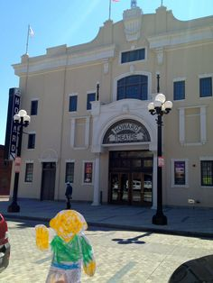 Flat Stanley visited the recently restored Howard Theatre in Washington, D.C. This was the country's first black theatre. Music greats like Ella Fitzgerald, Cab Calloway, Duke Ellington and Count Basie all played here once upon a time.
