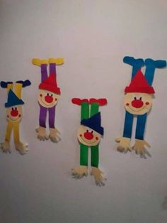 Template head for Jack in the Box Popsicle Stick Crafts, Craft Stick Crafts, Diy And Crafts, Crafts For Kids, Arts And Crafts, Paper Crafts, Clown Crafts, Circus Crafts, Carnival Crafts
