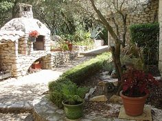 Nimes vacation cottage rental:
