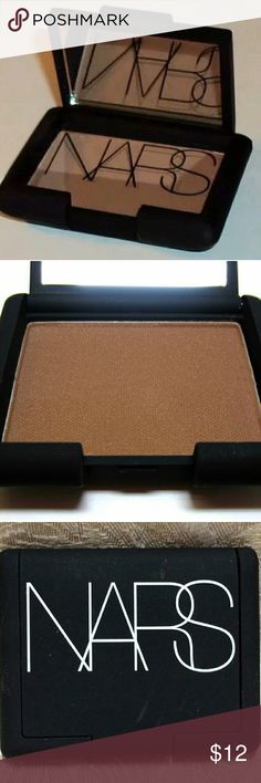 Travel Size NARS Laguna Bronzee Mini - Shimmery bronze shade - Comes in iconic NARS compact with mirror - See 4th picture for size comparison with full size Laguna -No external packaging, as this was part of a set. - Brand New & Unused. NARS Makeup Bronzer
