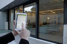 Vivir conectado a la casa del vecino | Vivienda | EL MUNDO Windows, World, Home, Smart City, Internet Of Things, Future Gadgets, Hearths, Community, Innovative Products