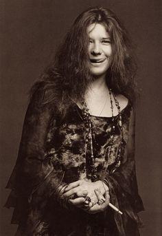 Janis Joplin fotografada por Francesco Scavullo em 1969.