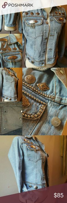 Vintage Western Denim Jacket Silver Conches Wow! Unique vintage jean jacket with 16 silver riveted Native American design conches. 4 with hanging metal fringe feathers. Front and collar hems are fully lined with solid silver imbedded beads. Lovely acorn leaf buttons. Tan stitching. Mint. Founded by David Sack in 1982, the company was known for its excellent handcraftsmanship, creative designs and fine Italian leathers, producing high quality pieces for a discerning clientele worldwide. Not…