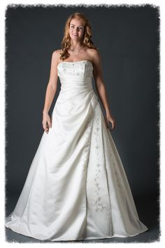 """Omdat mooi niet duur hoef te zijn""  Norder Fashion  Bruids- & gelegenheidskleding  Oberonweg 256  3208PG Spijkenisse  www.norderfashion.nl"
