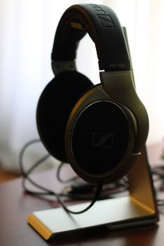 let& add all future headphone stand creations to this one thread to make perusing easier. Best In Ear Headphones, Diy Headphones, Diy Headphone Stand, Headset, Smartphone, Room Setup, Future, Recycled Materials, Audio